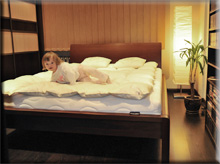Łóżko Afrika Cairo , buk na orzech jasny. Wrocław marzec 2010