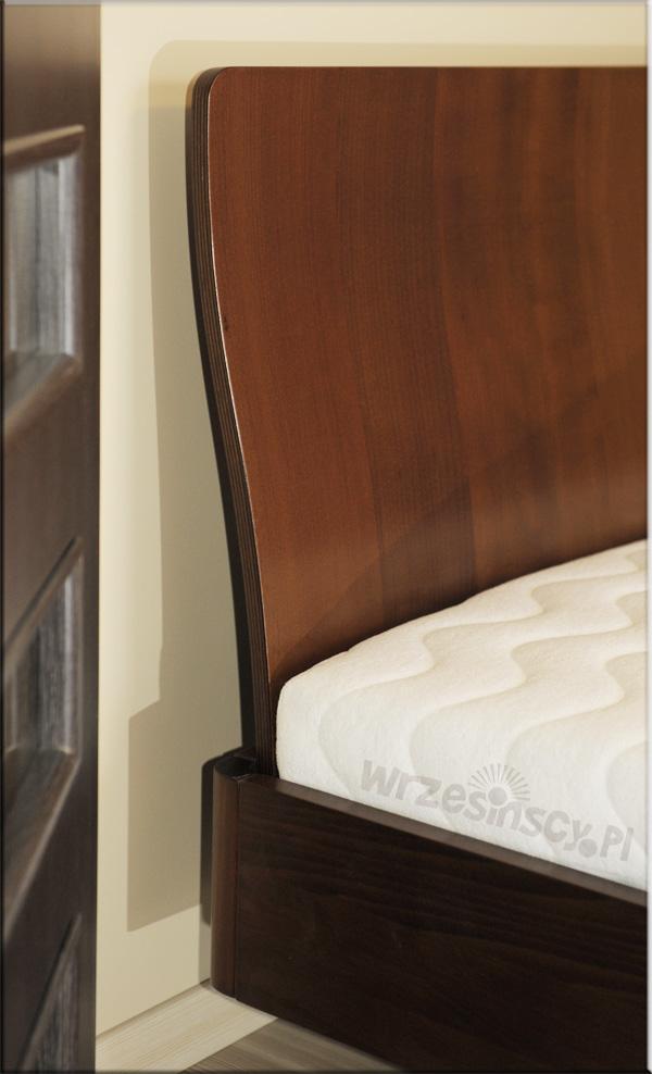 Łóżko Virginia buk na orzech jasny. Wrocław sierpień 2010