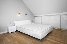 Łóżko Softy białe zestolikami SZCZECIN